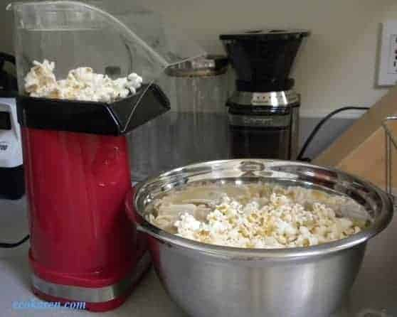 Time for Popcorn! (Homemade Microwavable Popcorn Recipe)