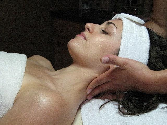 Massage for Valentine's Day ecokaren